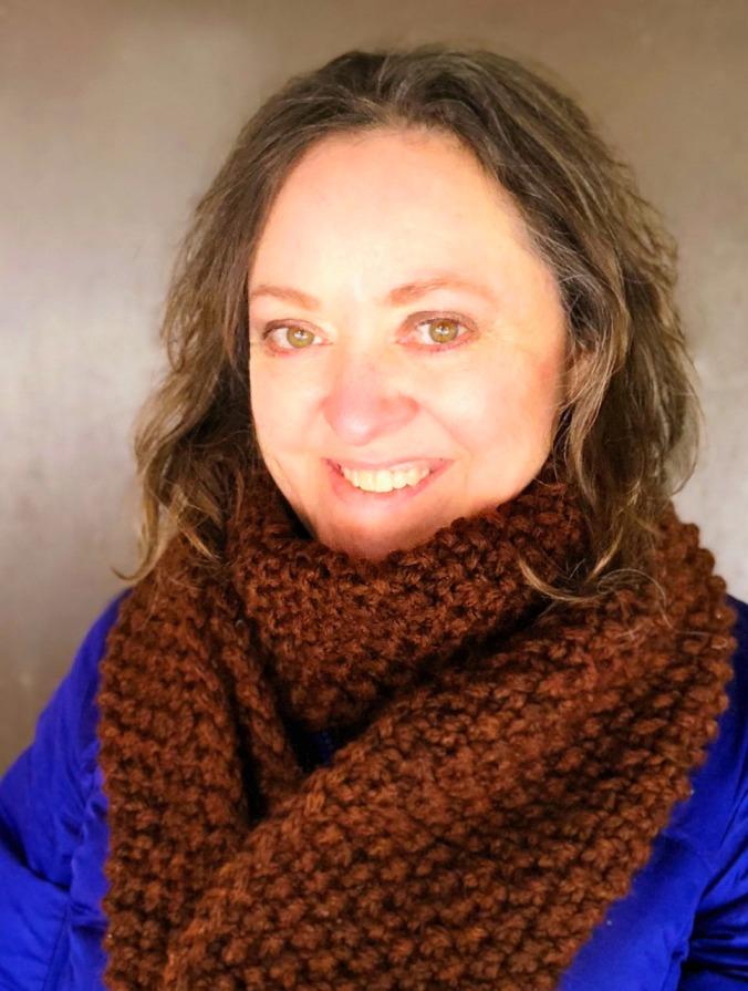 Ushya scarf headshot